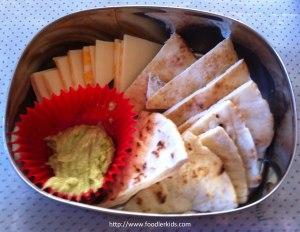 Pita triangle Snack Bento: pita, edamame hummus, and cheese